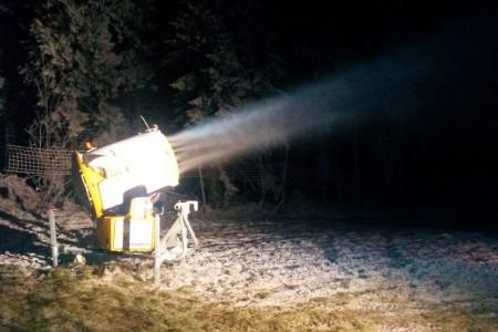 Zasněžování škodí, ozývá se i v Česku
