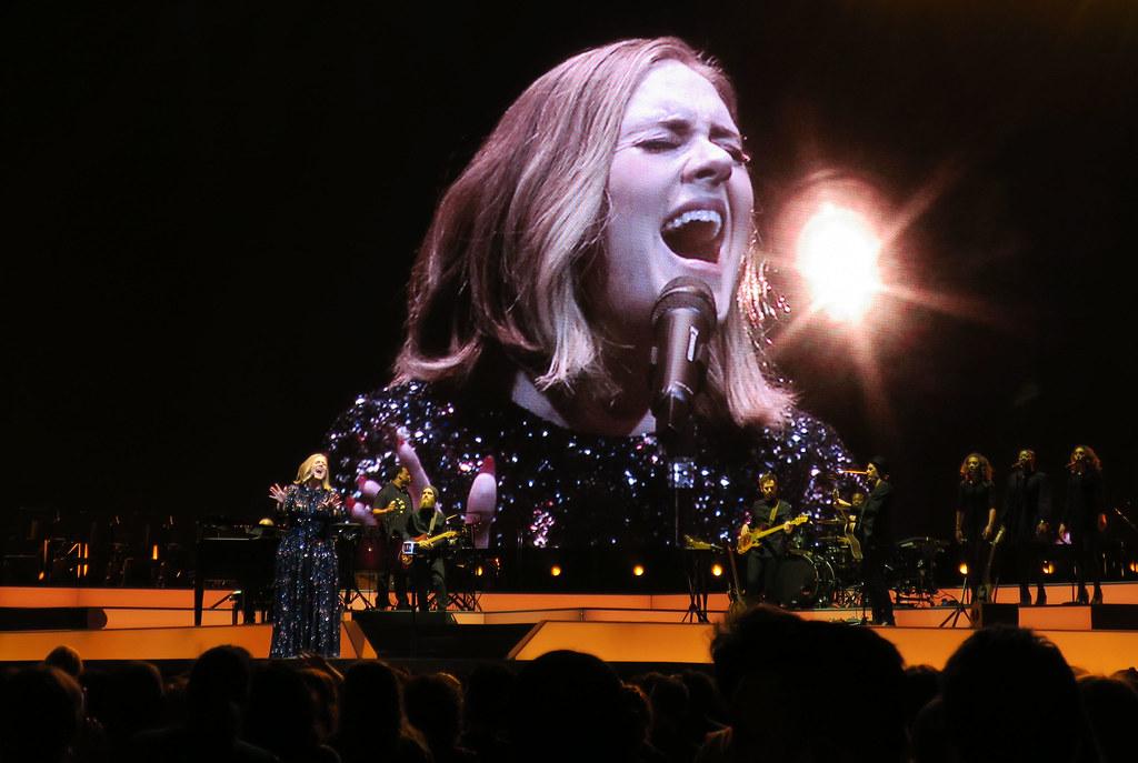 Adele-Live-2016-London-O2-005