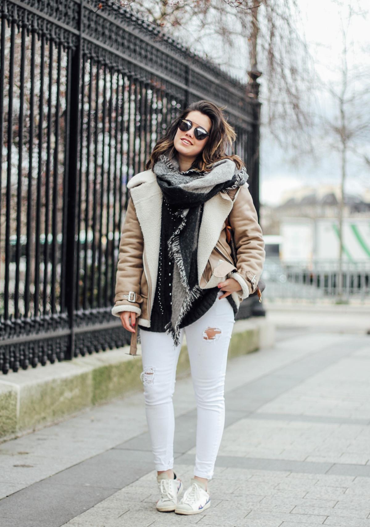 shearling-jacket-beige-isabel-marant-sneakers-streetstyle paris fashion week