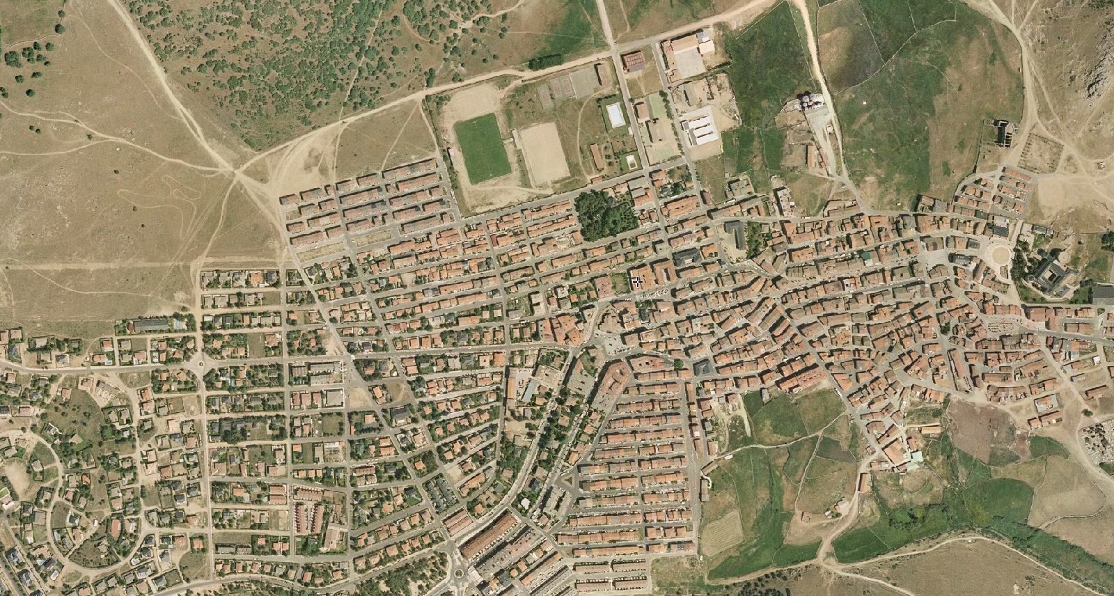 las navas del marqués, ávila, donde chencho, antes, urbanismo, planeamiento, urbano, desastre, urbanístico, construcción