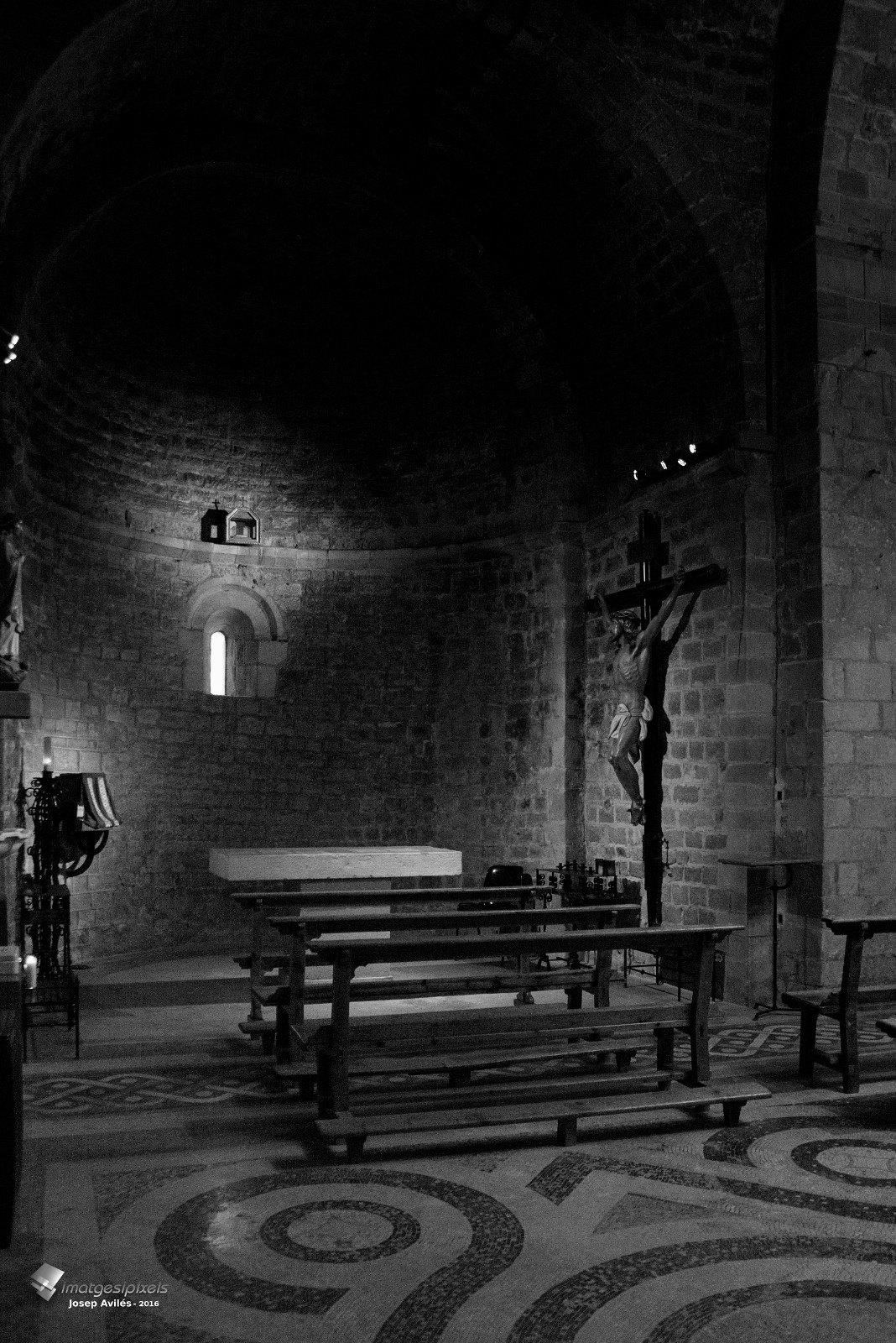 Interior del Monestir de Sant Pau del Camp