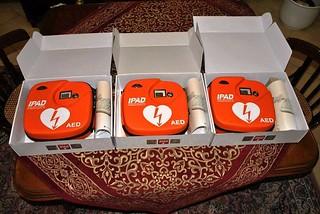 Noicattaro. Defibrillatori front