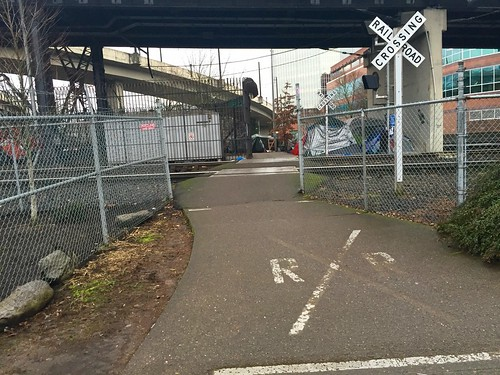 Willamette Greenway path closed