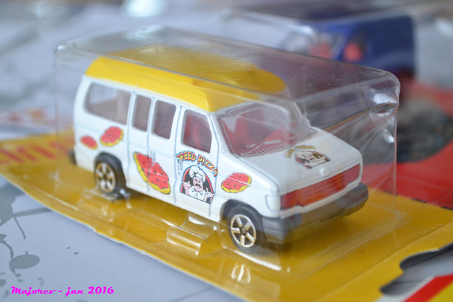 N°270 / 271 FORD ECONOLINE  24416215092_829fd275d3_z