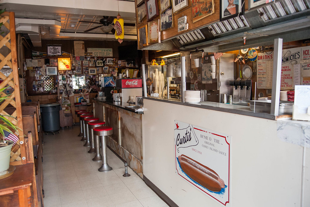 Curtis' Coney Island Weiners Cumberland MD - PHOTOS BY JOE BUTRIM for Retro Roadmap