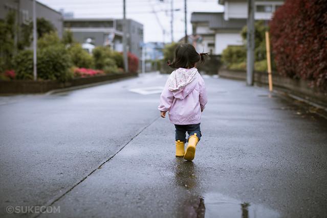 雨上がりの黄色い長靴