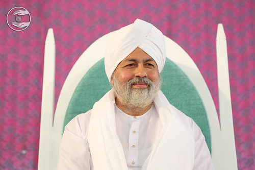 His Holiness Satguru Baba Hardev Singh Ji Maharaj on the dais