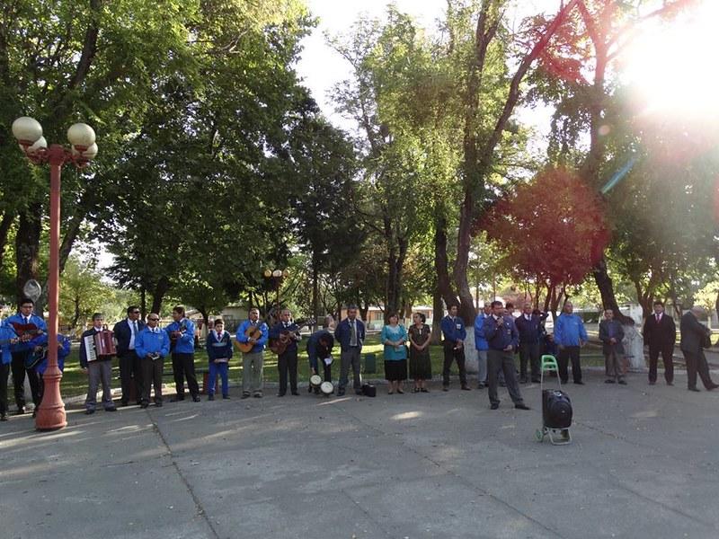 Ciclistas de Coelemu visitan a la IMPCH Monte Águila