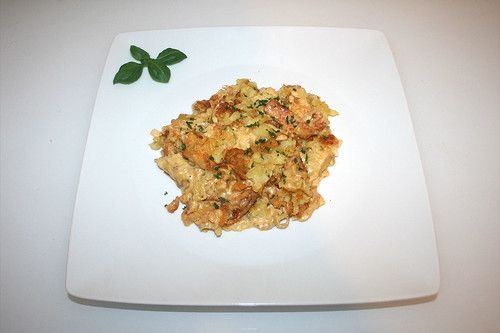 38 - Turkey chop in leek cheese sauce - Served / Putengeschnetzeltes in Lauch-Käse-Sauce - Serviert