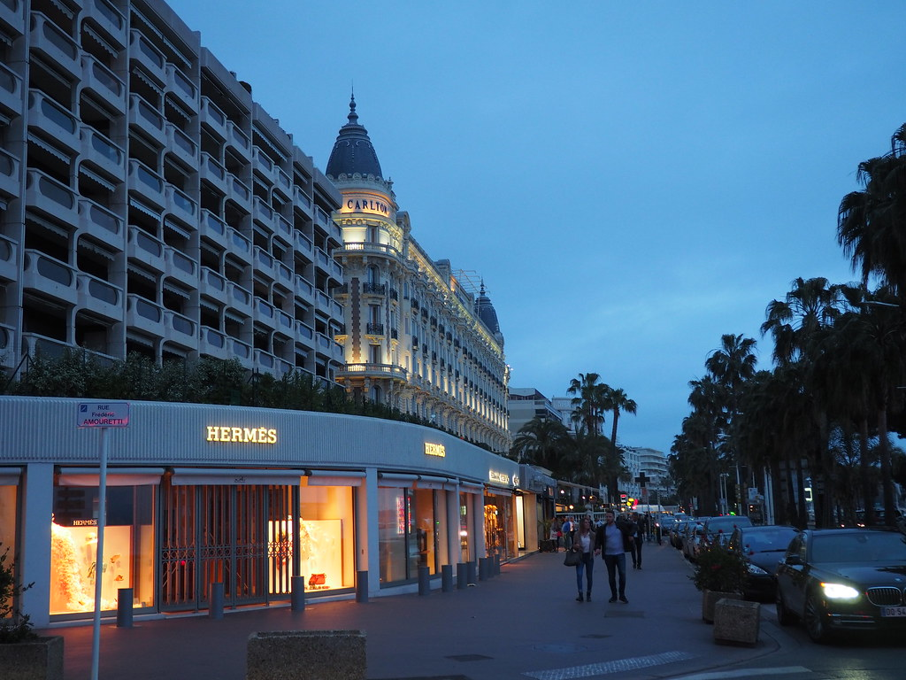 Cannes at night - Road trip around French Riviera