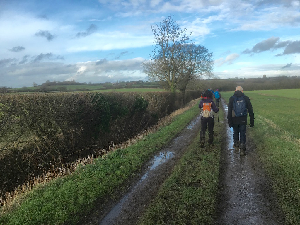 Crossing the valley to lunch Harlington Circular walk
