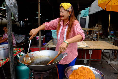 street woman thailand market candid fujifilm streetphoto vendor streetfood xt1