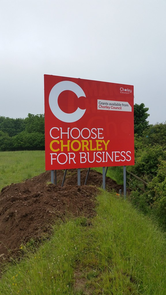 Huge 7m x 5m motorway hoarding sign, digitally printed design
