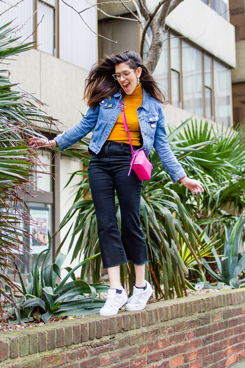 90s nineties style cropped denim outfit