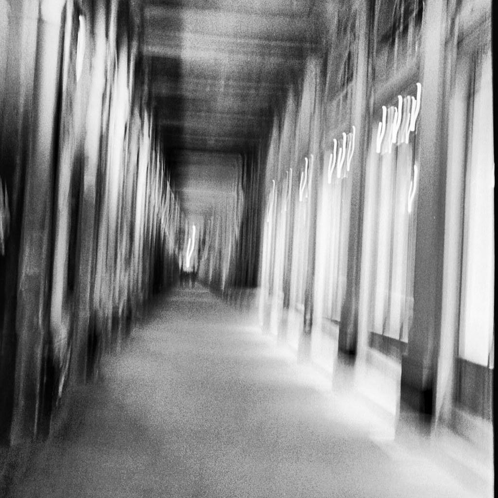 Passage     Leica M6 Ilford 3200 #igers #igersparis #ishoo