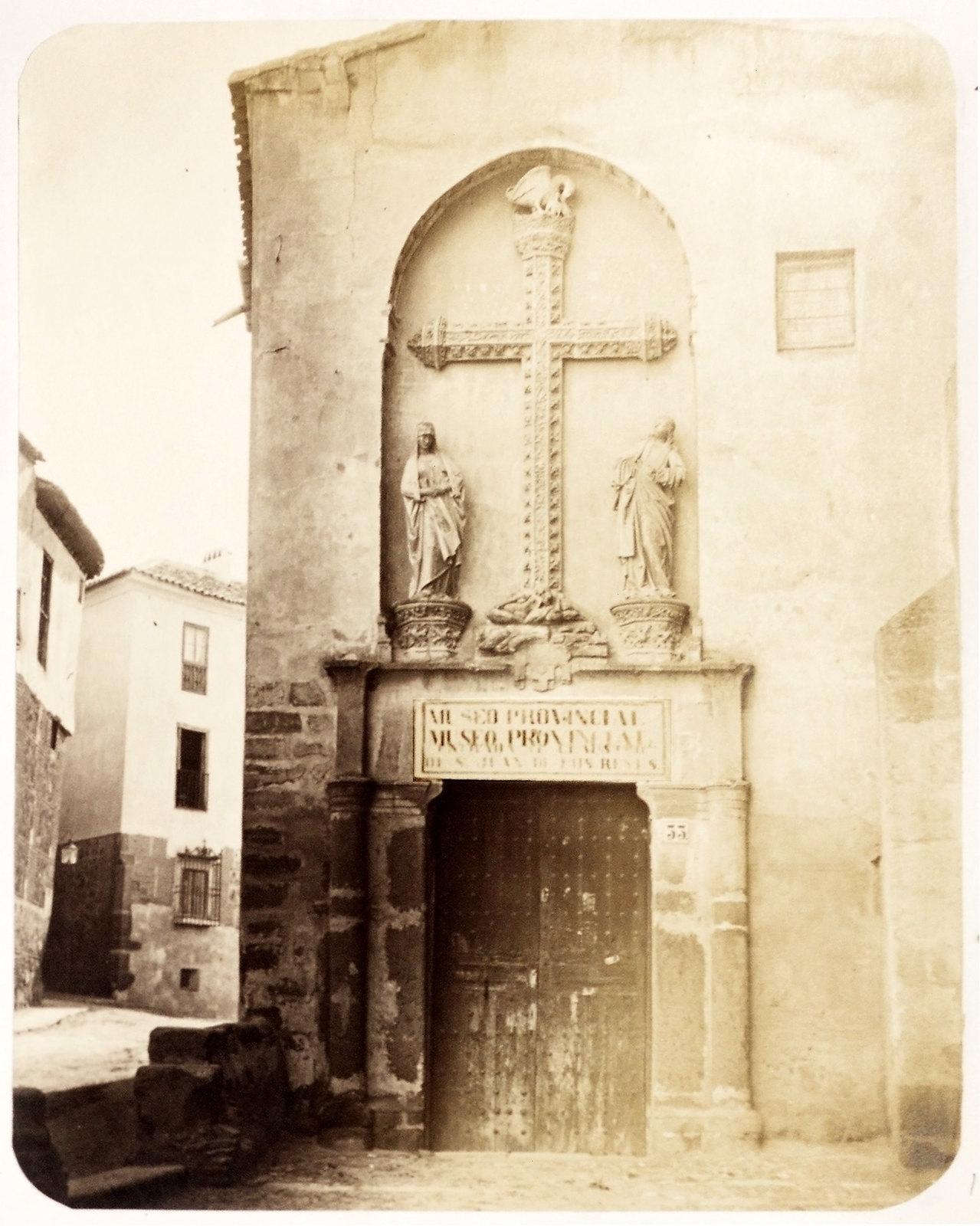 Puerta del Pelícano en Toledo hacia 1879. Álbum de la National Gallery con fotos de Casiano Alguacil.
