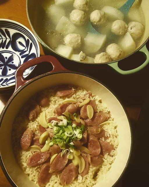 20160310 ✓蒜香香腸煲飯 ✓香菇丸蘿蔔蛤蠣湯 #葛蘿的餐桌