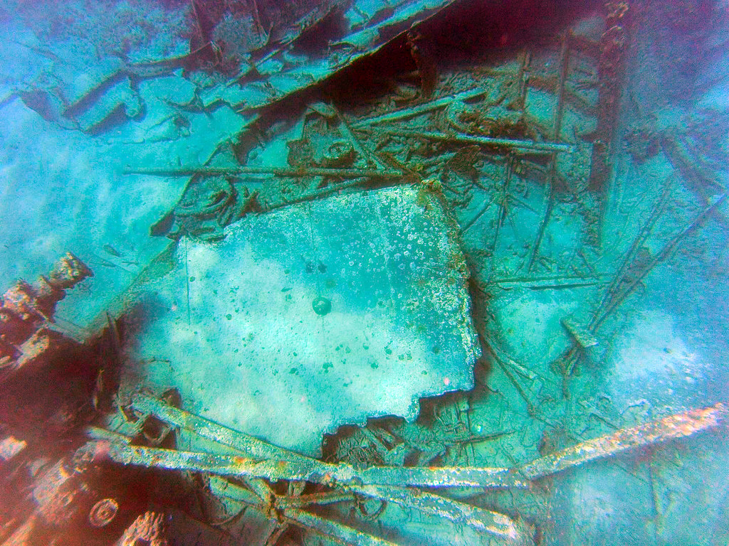 Excursión al arrecife en las islas caimán con el MSC Opera al fondo islas caimán - 26184045932 0dda1a789f b - Snorkel en las Islas Caimán