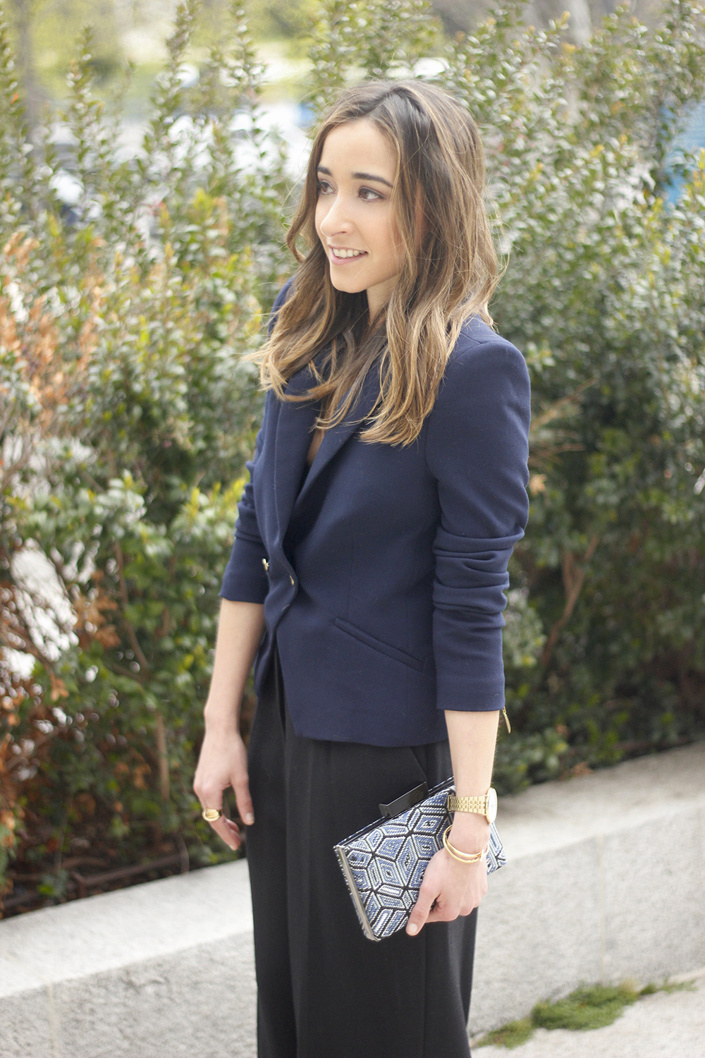 cropped trousers uterqüe clutch blazer accessories outfit style06