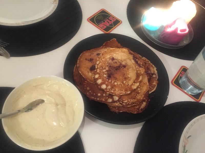 Proteinpannkakor och vaniljkvarg
