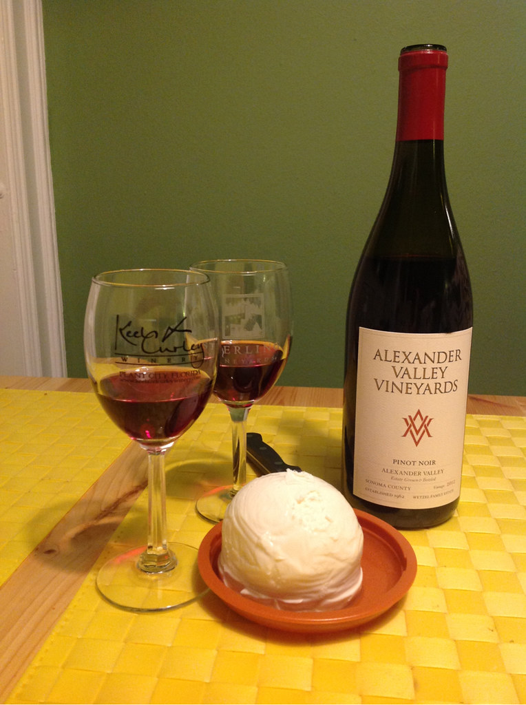 Pinot-Vember, Pinot Noir and Mozzarella 1