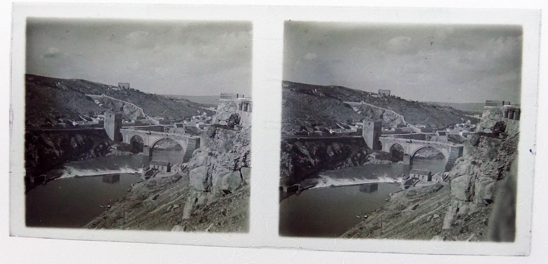 Puente de San Martín desde Roca Tarpeya. Fotografía de Francisco Rodríguez Avial hacia 1910 © Herederos de Francisco Rodríguez Avial