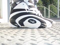Shaqnosis OG (Black/White)
