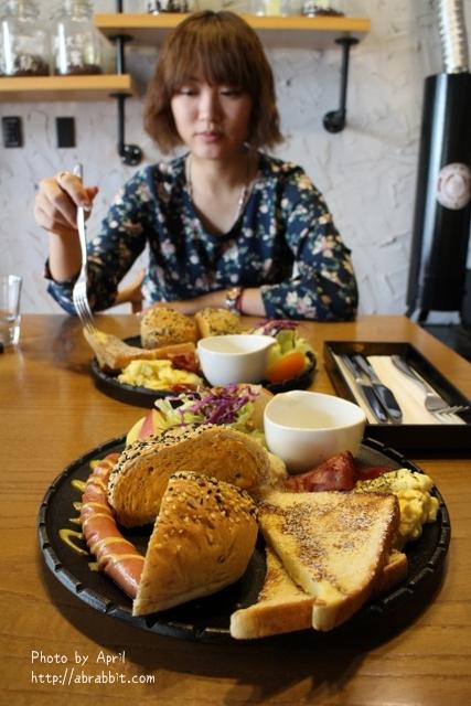 [台中]Single leaf片葉居–來份好吃的早午餐,這裡是有貓的咖啡廳唷!@北區 太原路