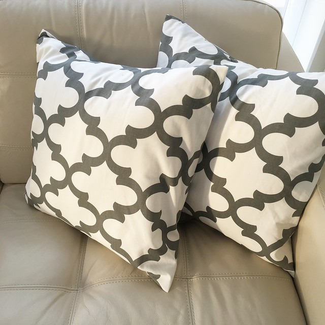 Pillow Cover from HomeMakeOver