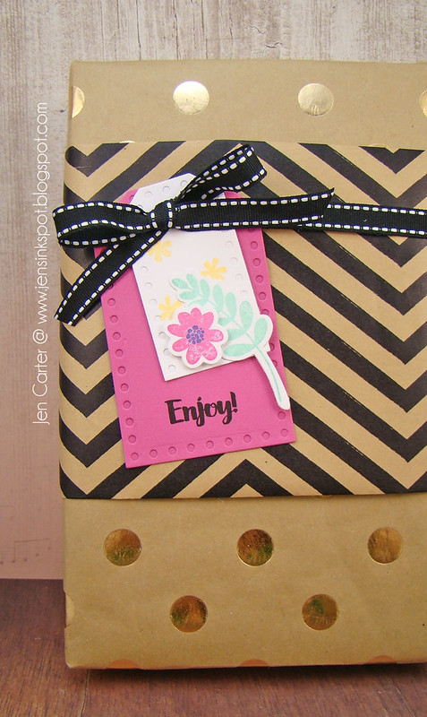 Jen Carter Fresh Cut Florals Gift Tag Closeup 1