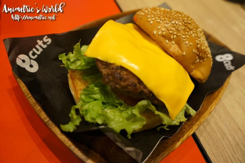 8 Cuts Burger UP Town Center