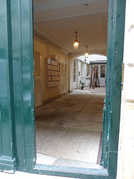 galerie au fond de la cour
