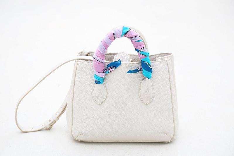 sac-blanc-hanse-avec-foulard