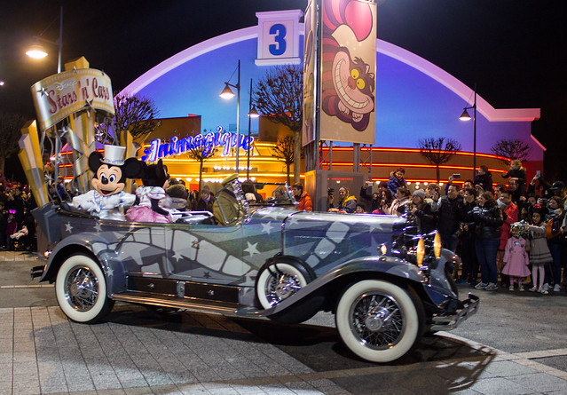 Disneyland Paris Stars In Cars Mickey and Minnie Mouse