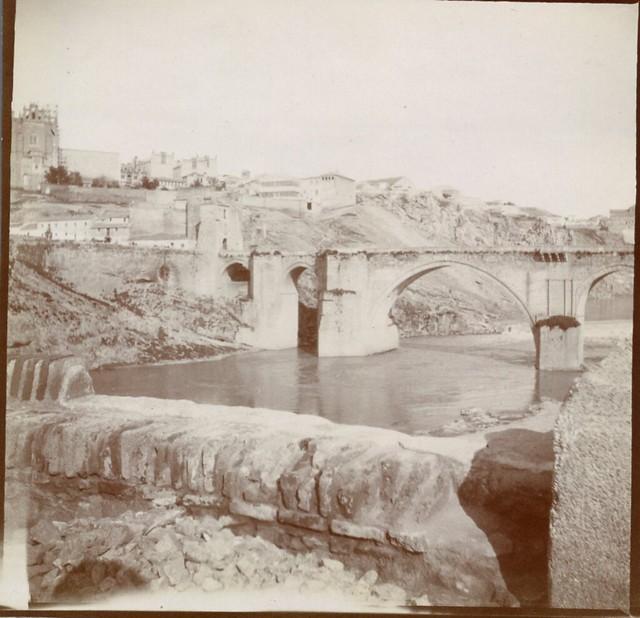 Puente de San Martín en 1906. Anónimo francés.