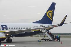 EI-ESV - 34993 3814 - Ryanair - Boeing 737-8AS - Katowice, Silesian, Poland - 151011 - Steven Gray - CIMG9260