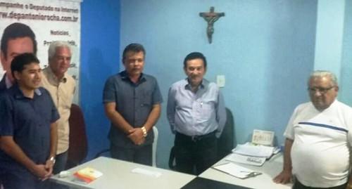 44 dias depois, Paulo Barrudada imita a esposa e também se filia ao PMDB