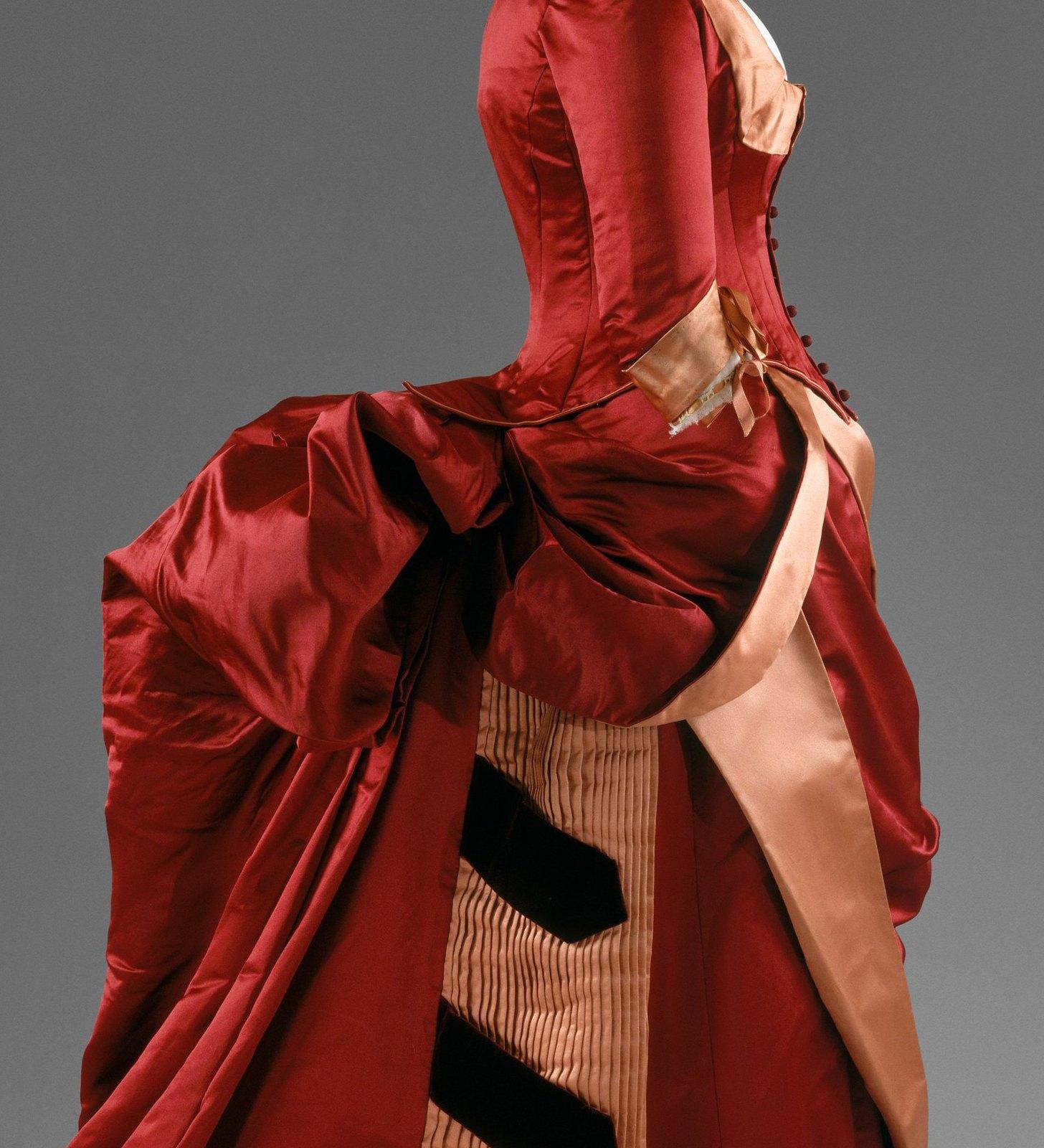 1884-86. American. Silk. metmuseum_closeup