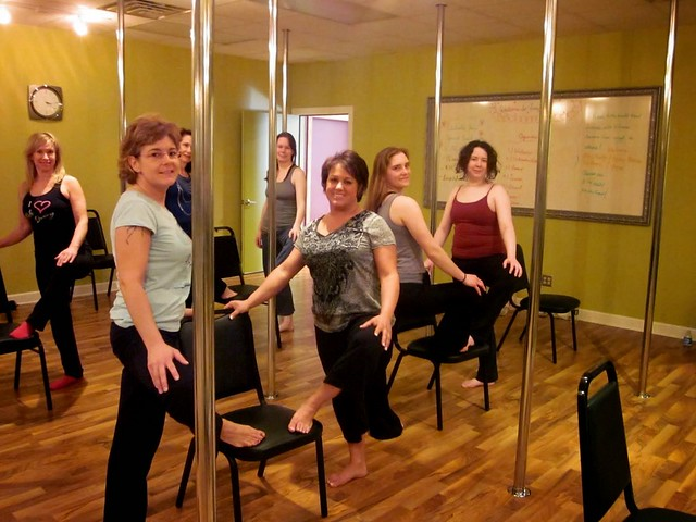 Mumbai Pole Dancing Fitness Lesson