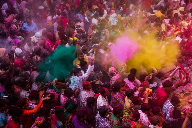india holi festival 灑紅節