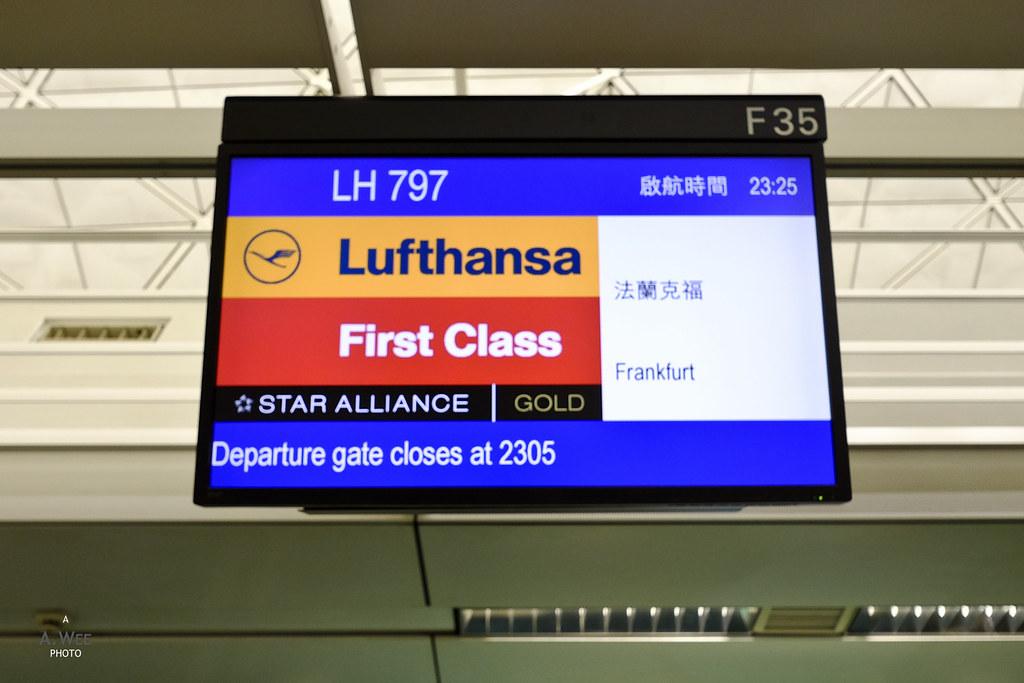 Lufthansa desks