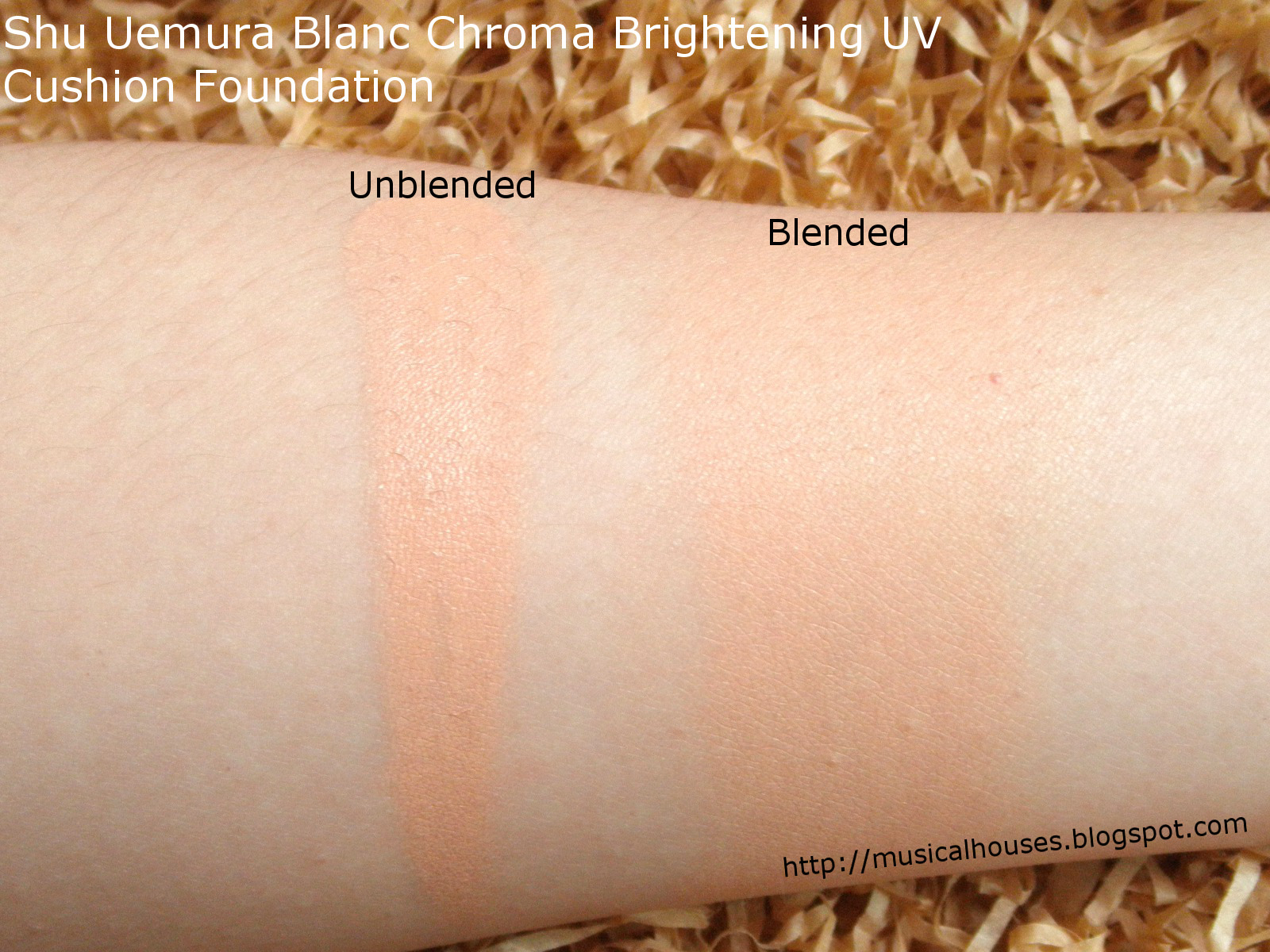 Shu Uemura Blanc Chroma Brightening UV Cushion Warm Sand Swatch