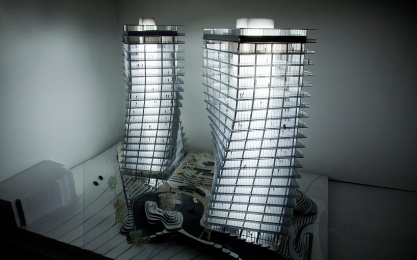 Макет башен-близнецов Twisted Towers