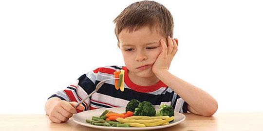 Bé kén ăn có phải là dấu hiệu đáng lo?
