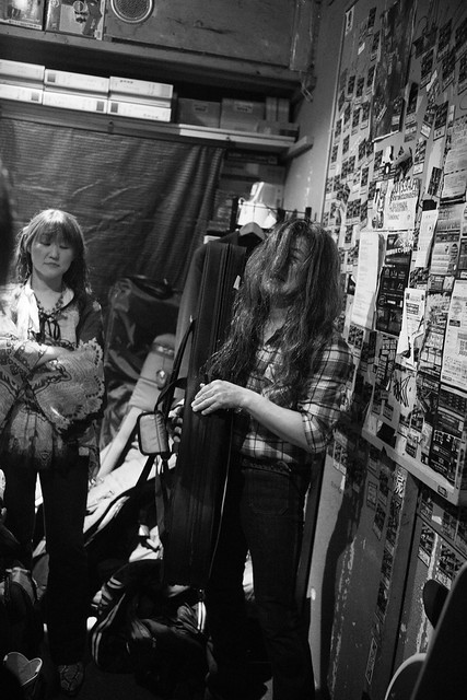 O.E. Gallagher after the show at Club Mission's, Tokyo, 30 Apr 2016 DSC00182-2