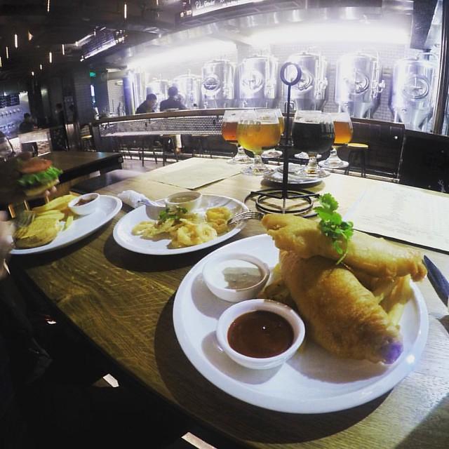 Fish&chips with flight sampler set beer����