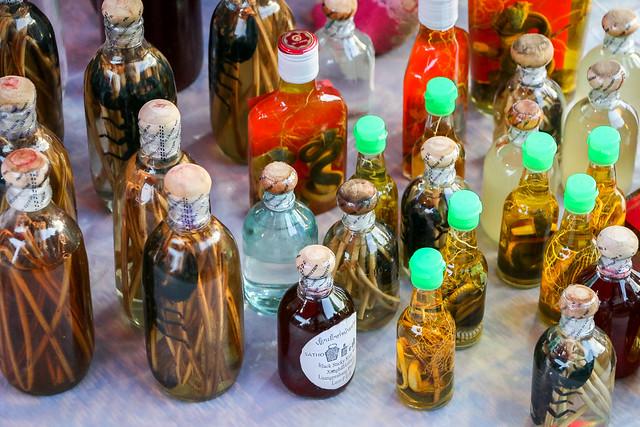 Scorpion and snake liquors, Luang Prabang, laos ルアンパバーン、サソリや蛇のリキュール