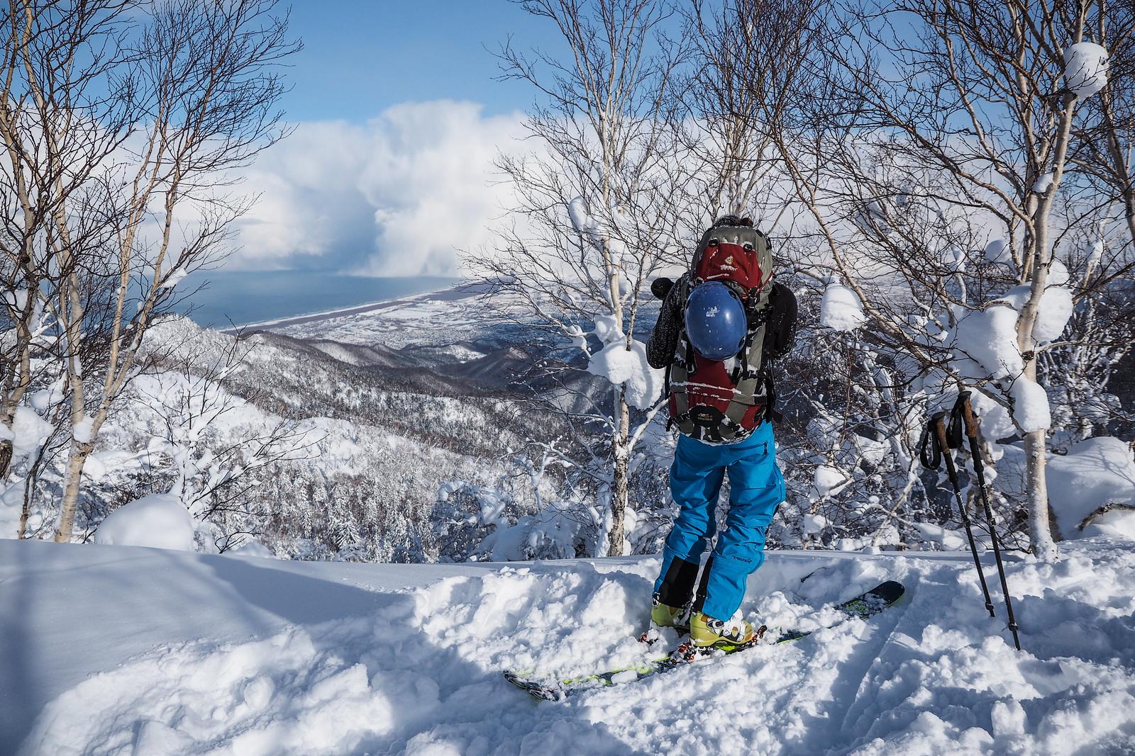 Climbing up to Mt. Okuteine (Hokkaido, Japan)