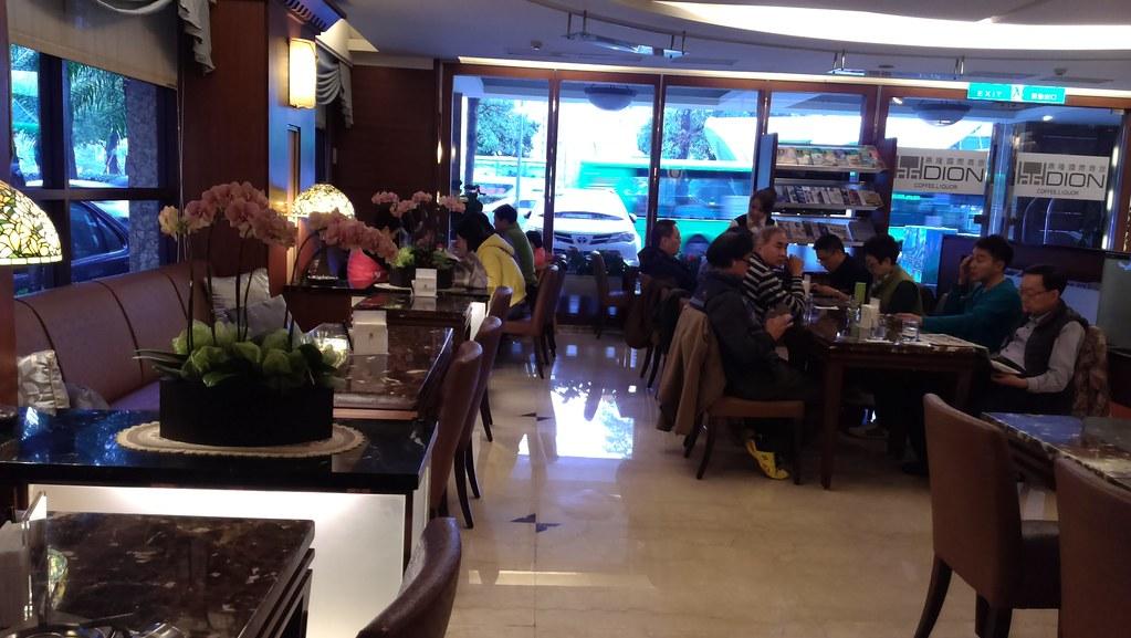 [台中西屯美食餐廳]推薦平價又好吃的鼎隆國際商旅~台灣大道(中港路)上、近秋紅谷_一樓餐廳 (2)