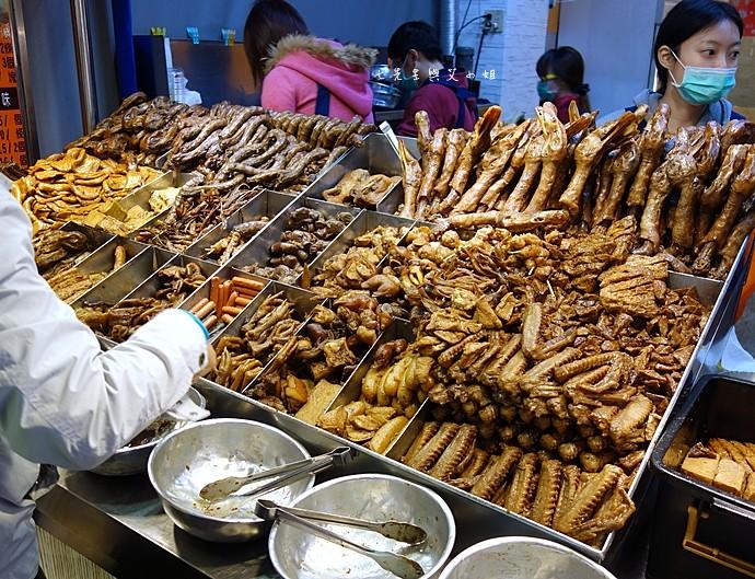 8 嘉義文化路夜市必吃 阿娥豆花、方櫃仔滷味、霞火雞肉飯、銀行前古早味烤魷魚